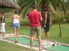 Mini-Golf La Palmeraie: Parcours de mini-golf pour 1, 2 ou 4 personnes dès 9,90 € au Mini-Golf La Palmeraie