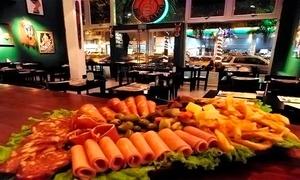 Bar Del Mundo Rosario: $219 en vez de $445 por tabla a elección + cerveza Fenicia Brewing para dos en Bar Del Mundo Rosario