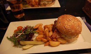 Hi-tech Pub: Menu hamburger e birra vicino al mare per 2 o 4 persone da Hi-tech Pub (sconto fino a 65%)