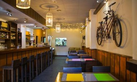 Brunch para dos personas con platos a compartir, pan, postre, café y zumo de fruta por 19,90 € en Vórtice Café