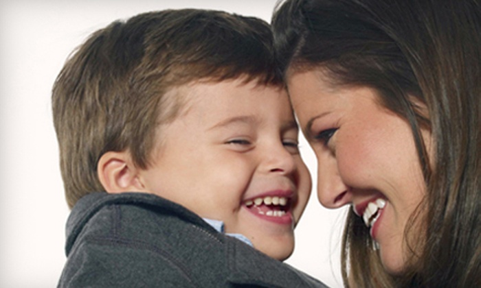 Sears Portrait Studio - Multiple Locations: C$35 for a Portrait Package with Image CD and Prints at Sears Portrait Studio (C$184.91 Value)
