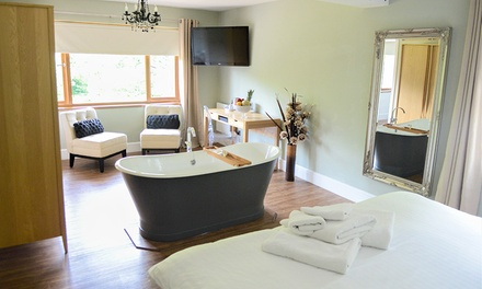 Swansea: Deluxe Double Room with Breakfast, Glass of Prosecco and Optional ThreeCourse Dinner at The New Gower Hotel
