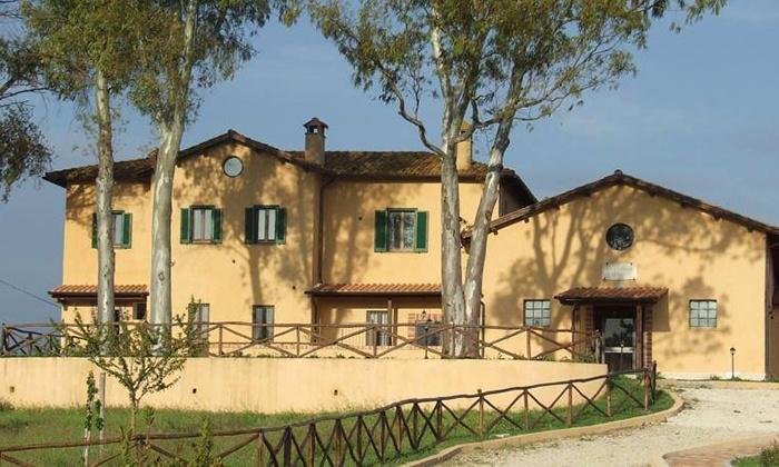 Agriturismo Il Casale di Roma - Roma: Menu di carne da 4 portate con mezzo litro di vino all'Agriturismo Il Casale di Roma (sconto fino a 54%)