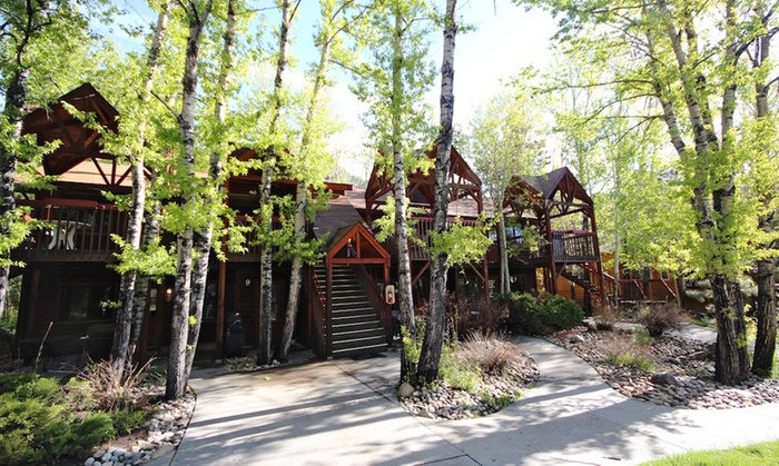 2-Night Stay at Rock Mountain Nat'l Park Cabins