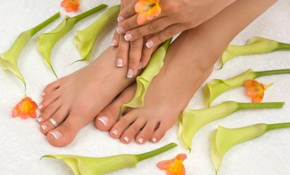 image for $29 for a <strong><strong>No</strong>-Chip</strong>, <strong>No</strong>-UV, Non-Toxic <strong>Gel</strong> Manicure at Divine Organic Nail Salon ($53 Value)