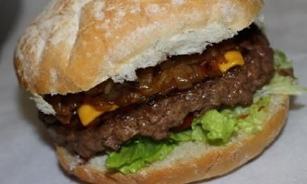 Plat, portion moyenne de frites et soda pour 2 ou 4 personnes dès 11,50 € au restaurant Le Petit Niçois le bus jaune