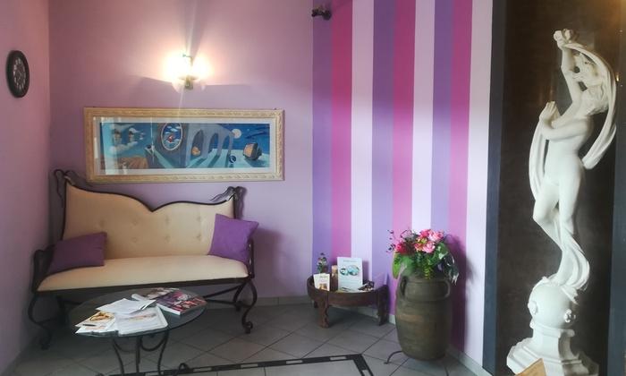 Massaggio Su Lettino Ad Acqua.Pretty Centro Benessere Solarium A Prato Groupon