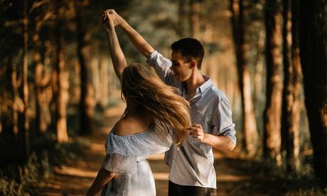 1 o 3 meses de clases de baile de estilo a elegir en Escuela de Baile Ovat (hasta 58% de descuento)