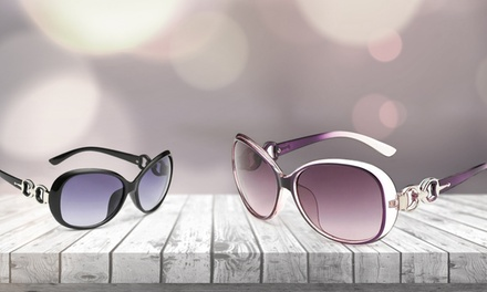 $5 for One Pair of Women's Gorgeous Retro Sunglasses from Novadab ($39.99 Value)