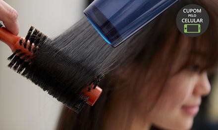 Escova progressiva ou botox capilar opção com escova modeladora, matização e corte no Salão Art Beauty Club – Juvevê