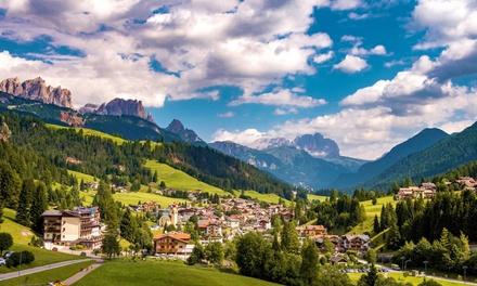 Trentino, Moena: camera Classic o Romantic Suite con colazione o mezza pensione e accesso Spa per 2 all'Hotel Central