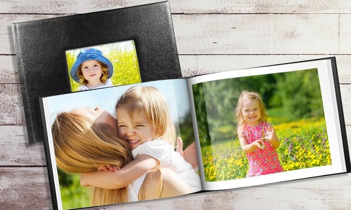 1 ou 2 livres photo A4 de 20, 40 ou 60 pages avec fenêtre personnalisable en ligne sur Printerpix dès 11,99 €
