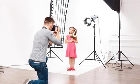 Sesión de fotos en estudio de embarazo o bebé con CD de fotos y fotos impresas desde 24,90 € en Fotos Rolega Oferta en Groupon