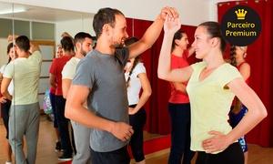 Compassos Studio de Danças: 1 ou 3 meses de aulas de dança de salão no Compassos Studio de Danças – Jardim América