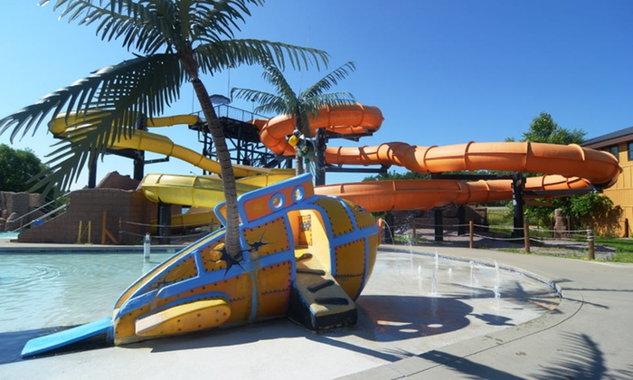 Polynesian Waterpark Resort - Wisconsin Dells: Stay at Polynesian Waterpark Resort in Wisconsin Dells; Dates Available into October