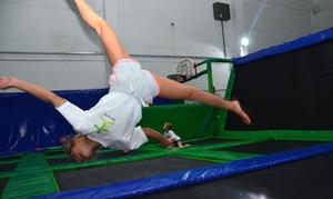 Park Trampolin Happy Jump: Trampoliny: 60-minutowe wejście na Jumping fitness (9,99 zł) lub karnet na 5 wejść (69,99 zł) i więcej w Happy Jump
