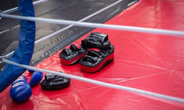 Fight Department - Bochum: 5er- oder 10er-Karte für Gerätetraining, (Kick-)Boxen, Sauna und Getränke-Flat im Fight Department (bis zu 58% sparen*)