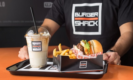 Menú para 2 o 4 personas con hamburguesa, patatas, bebida y shake desde 18,95 € en Burger Shack
