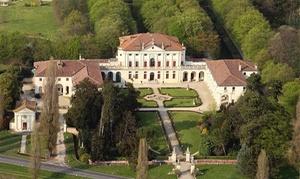 Ca' Marcello: Visita guidata alla villa e al parco, rinfresco e vino per una, 2 o 4 persone da Villa Ca' Marcello (sconto fino a 49%)