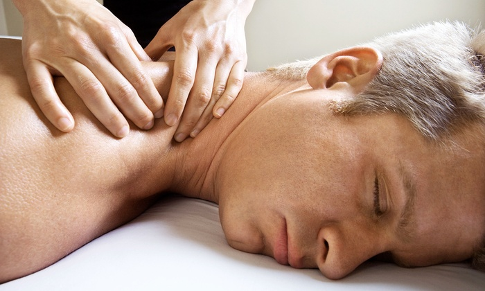 Vida Chiropractic - Dupont - Murray Hills: $29 for a Chiropractic Exam, Consultation, Two  Adjustments, and One 60-Minute Massage at Vida Chiropractic ($197 Value)