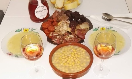 Menú con cocido, postre y bebida para 2, 4 o 6 personas desde 24,95 € en Taberna 31 Real