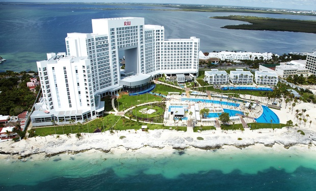 TripAlertz wants you to check out ✈ 3-Night All-Inclusive Riu Palace Peninsula Stay with Airfare. Price per Person Based on Double Occupancy. ✈ 3-Night Riu Palace Peninsula Stay w/ Air from Jetset Vacations - All-Inclusive Cancún Vacation
