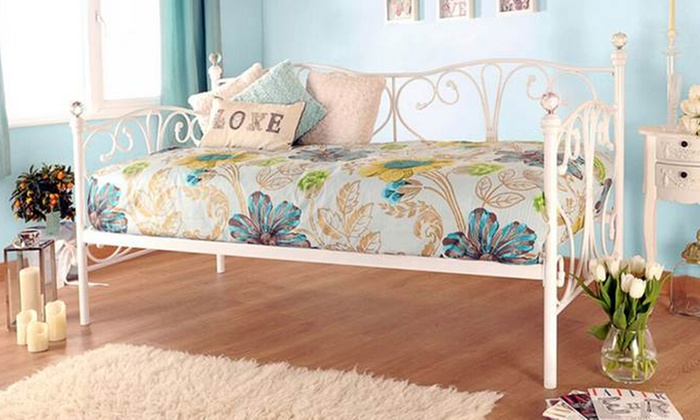 Single or Small Single Crystal Daybed and Trundle