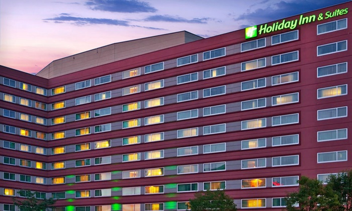 null - Rosemont: One-Night Stay with Up to 14 Days of Parking at Holiday Inn Hotel & Suites Chicago-O'Hare/Rosemont in Rosemont, IL