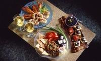 """""""Eat like a Greek""""-Spezialitäten für 2 oder 4 Personen (9 Mezes) bei Meze Meze (bis zu 35% sparen*)"""