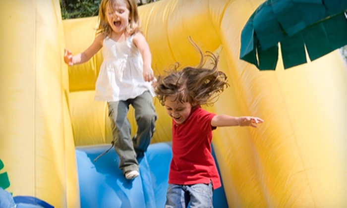 Hoppity Hop Inflatables - Hendersonville: $20 for Five Open-Play Passes with Pizza and Soda at Hoppity Hop Inflatables in Hendersonville (Up to $72.53 Value)