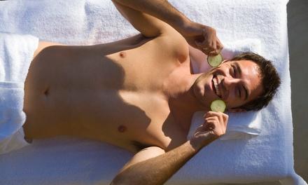 Gezichtsbehandeling van 60 min. voor mannen, naar keuze met massage bij VitaCare Health in Almere