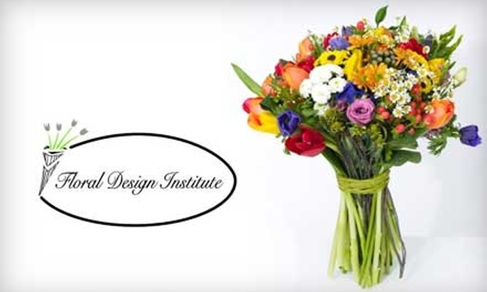Floral Design Institute - Miami International Park: $25 for a Flower-Arrangement Class at the Floral Design Institute ($100 Value)