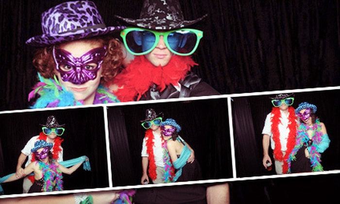 Foto Box - Orlando: $397 for a Four-Hour Photo-Booth Rental from Foto Box ($1,095 Value)