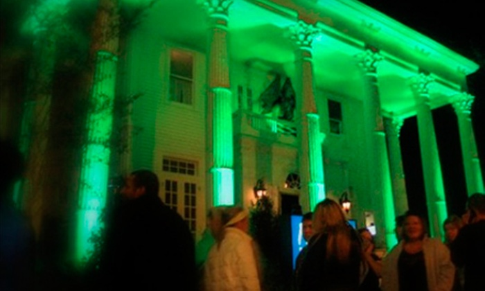 Southern Style Tours - Central Business District: Haunted-Mansion VIP Pass and Transportation for One, Two, or Four from Southern Style Tours