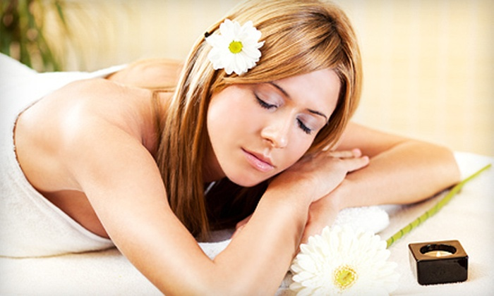 Unionville Spa - Unionville: $39 for a One-Hour Aromatherapy Massage or Clarifying Facial Treatment at Unionville Spa in Markham ($85 Value)