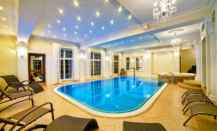 Mrągowo: 2-8 dni dla 2 osób ze śniadaniami lub z wyżywieniem, basenem, jacuzzi i więcej w Hotelu Solar Palace 3*
