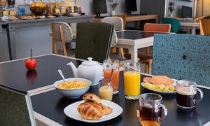 Café Edmond de l'hôtel Marseille Edmond Rostand: Formule petit-déjeuner à volonté pour 1 personne à 6,99 € au Café Edmond de l'hôtel Marseille Edmond Rostand
