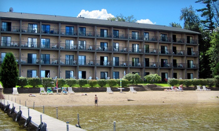 Beachfront Hotel - Houghton Lake: One- or Two-Night Stay in a Jacuzzi Room at Beachfront Hotel in Houghton Lake