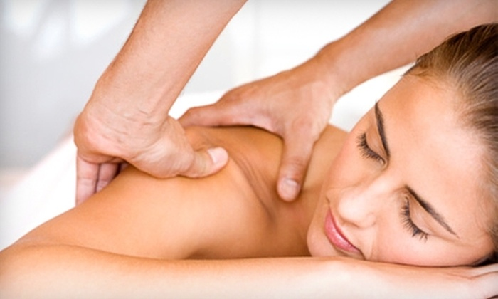Southerland Chiropractic - Pearland: $49 for an 80-Minute Massage and Consultation at Southerland Chiropractic in Pearland (Up to $196.40 Value)