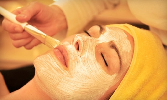 Natural Image Salon and Day Spa - North Charleston: $35 for an Essential Facial at Natural Image Salon and Day Spa ($75 Value)