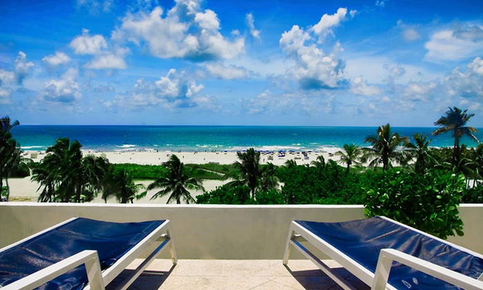 null - Miami: Stay with $15 Rooftop Pool Bar Credit at Congress Hotel in Miami Beach