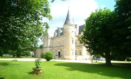Périgord : 1-2 nuits avec visite et dégustation de vin, dîner en option, au Château des Reynats pour 2 personnes