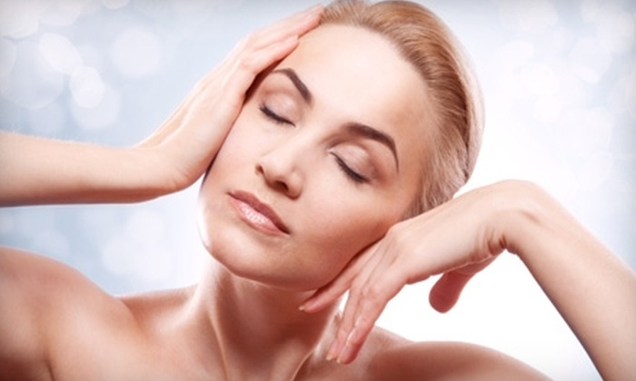 New Look Vein and Aesthetic Center - Saint Louis: $250 for Juvéderm Dermal Filler Treatment at New Look Vein and Aesthetic Center ($500 Value)