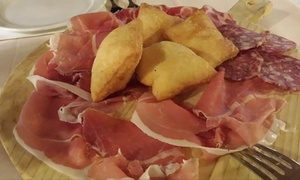 Trattoria La Famiglia: Degustazione di vini a scelta con tagliere di salumi e formaggi da Ristorante La Famiglia (sconto fino a 65%)