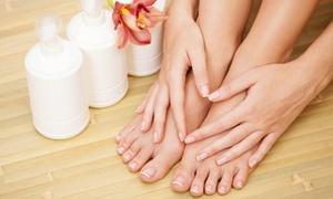 STAYYOUNG: Stylizacja hybrydowa: manicure (39,99 zł) lub pedicure (49,99 zł) i więcej opcji w StayYoung (do -60%)