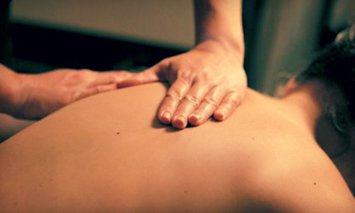 Illinois Wellness Group - Multiple Locations: $35 for a Three-Visit Chiropractic Package with a 60-Minute Massage at Illinois Wellness Group ($560 Value)