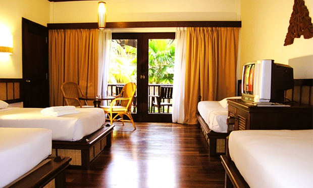 Redang: Resort + Coach + Snorkel 2