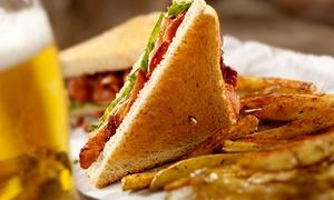 Oia: Desde $195 por sandwich gourmet + papas rústicas + cerveza artesanal o trago a elección para dos o cuatro en Oia