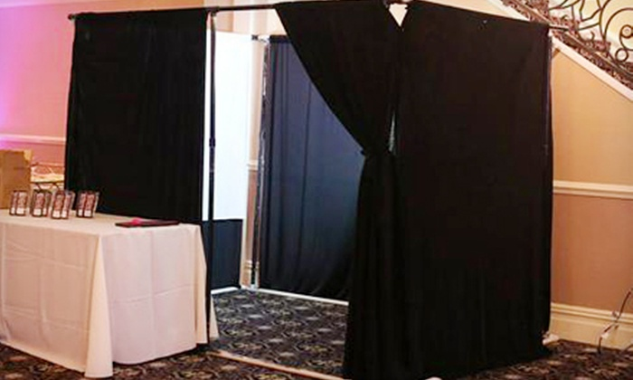 Case Ace Entertainment - North Jersey: $299.99 for a Four-Hour Photo-Booth Rental Package with Unlimited Prints from Case Ace Entertainment ($800 Value)