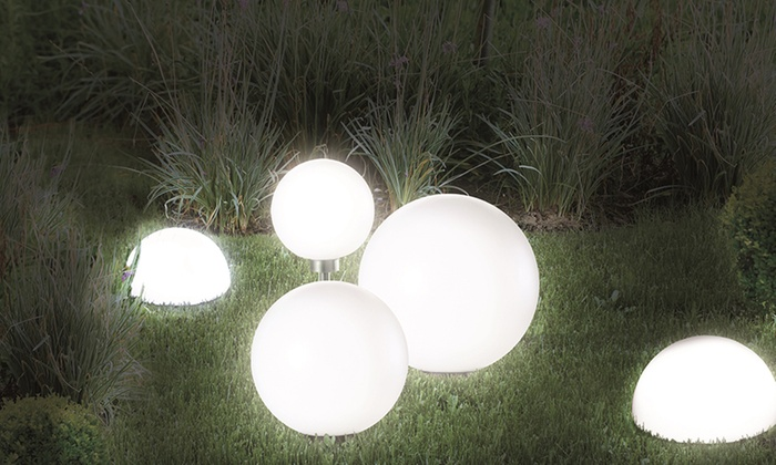 lampes boules solaires led groupon. Black Bedroom Furniture Sets. Home Design Ideas